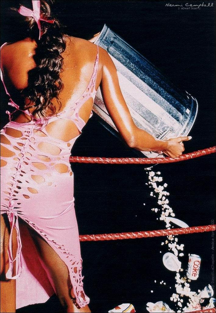 Naomi Campbell, desnuda integralmente en la revista