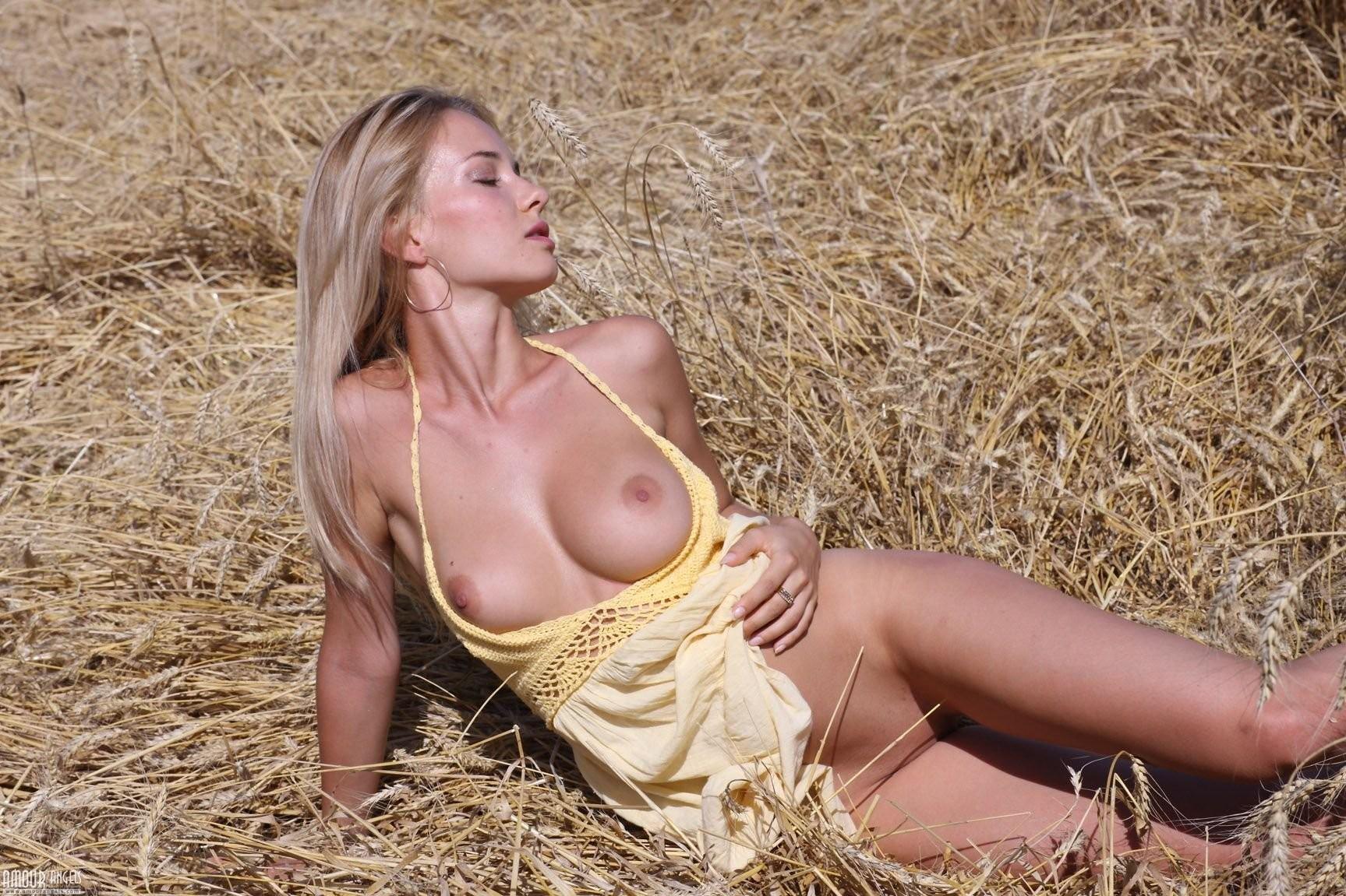 Naked girls on spring break
