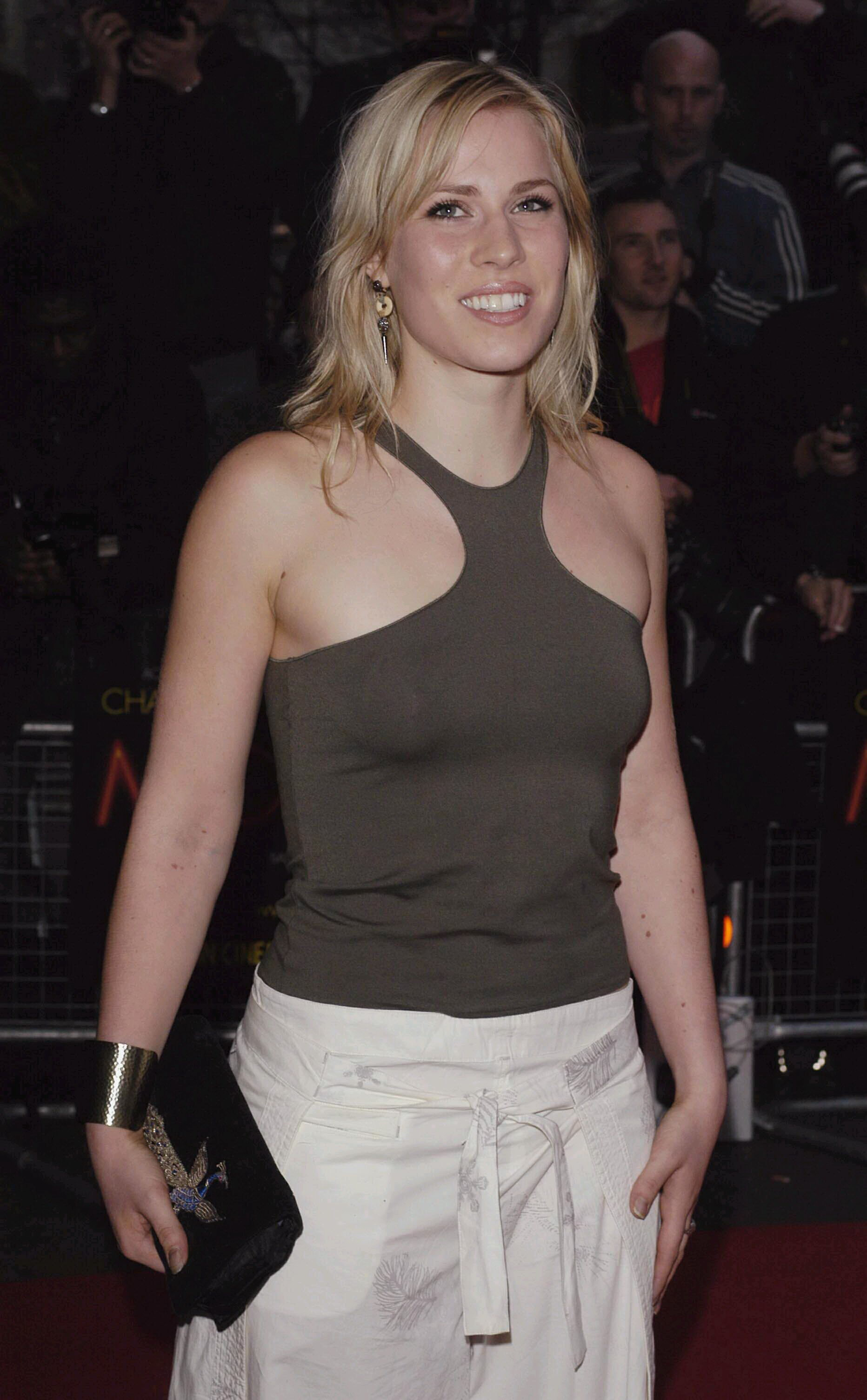 Natasha bedingfield rocks quirky two piece as she announces new album and releases roller skate