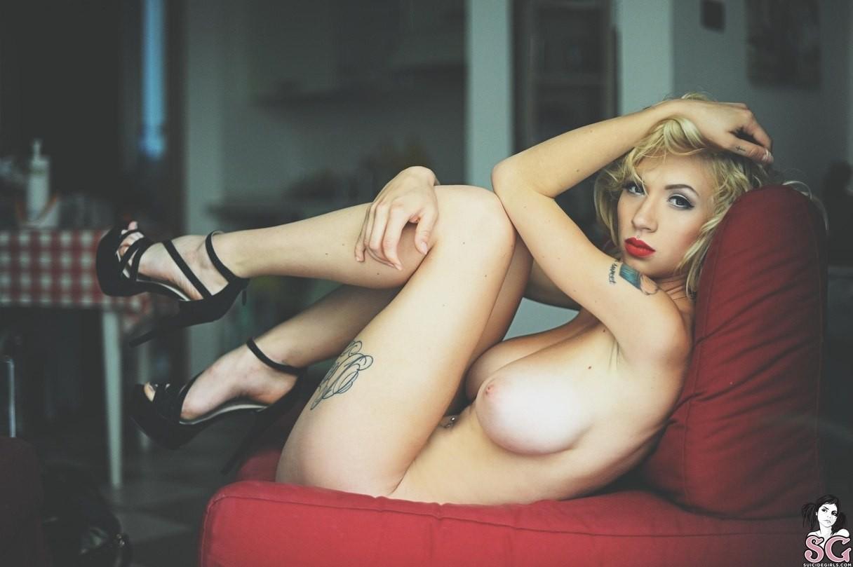 Video sexual de modelo noruega 02 - 3 5