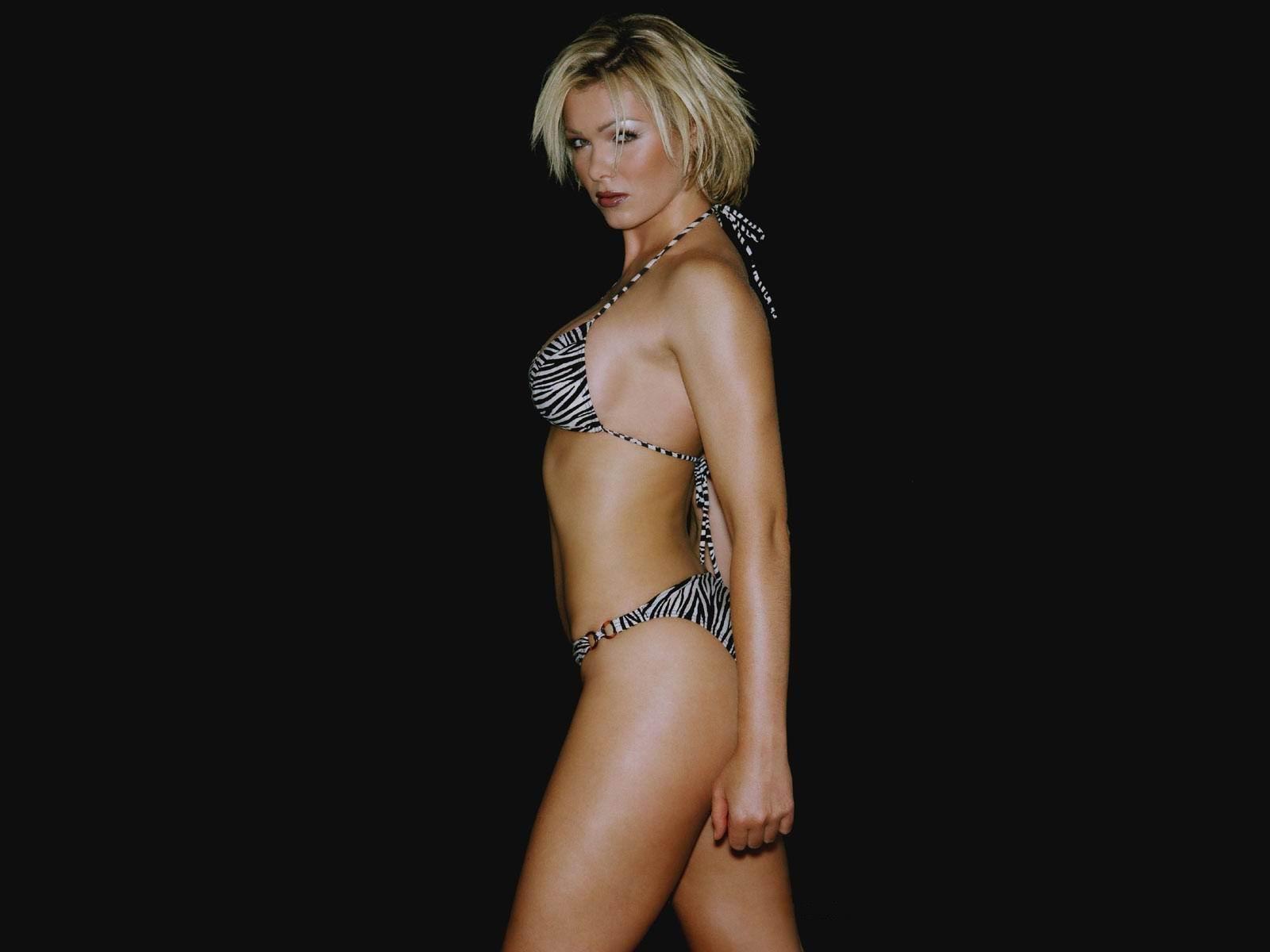 Nell McAndrew desnuda - 104 Pics -