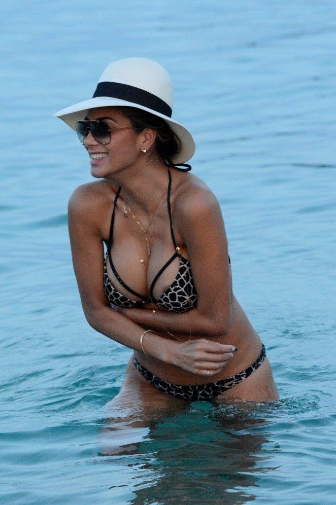 Nicole scherzinger desnuda desnuda oops