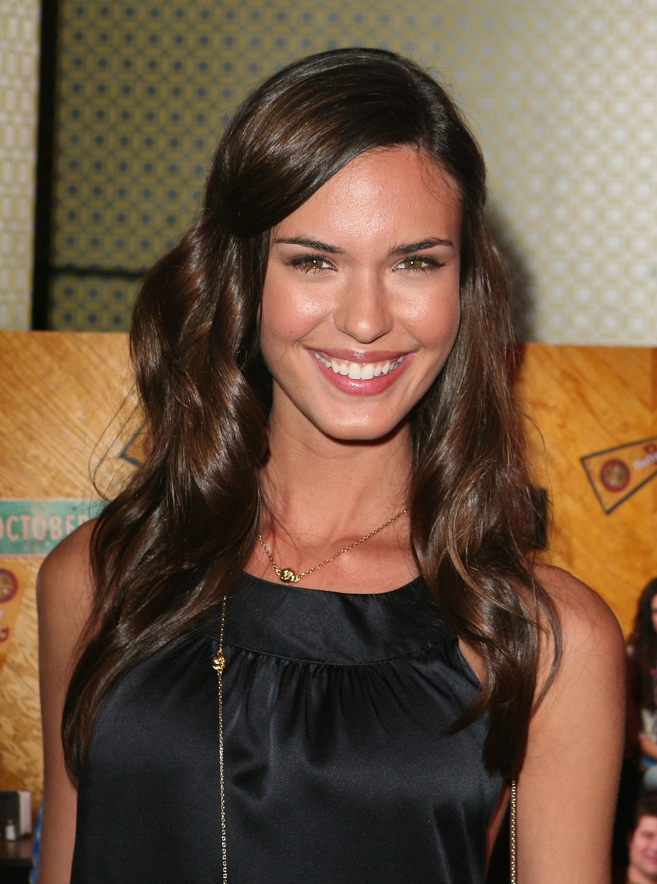 Odette Annable Nude - Page 2 Pictures, Naked, Oops -2106