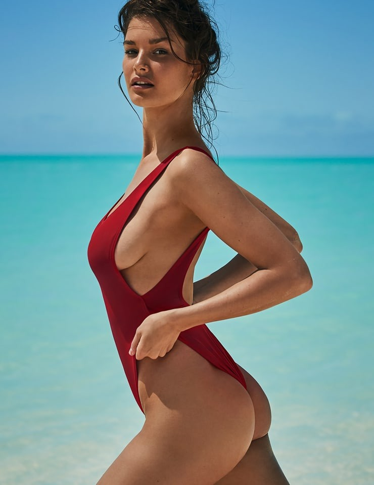 Nackt Ophelie Guillermand  Ophelie Bau