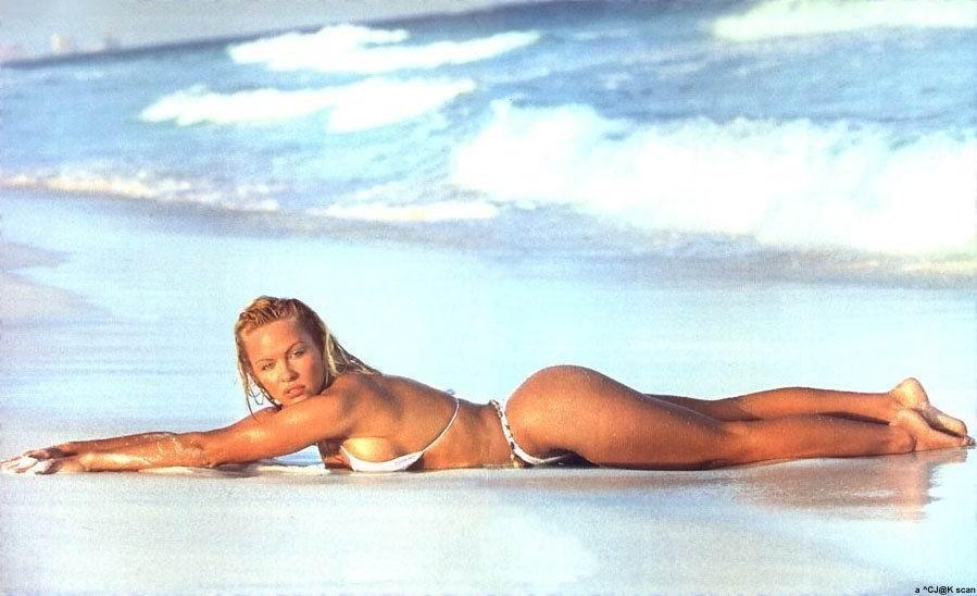 pamela-anderson-video-v-erotike