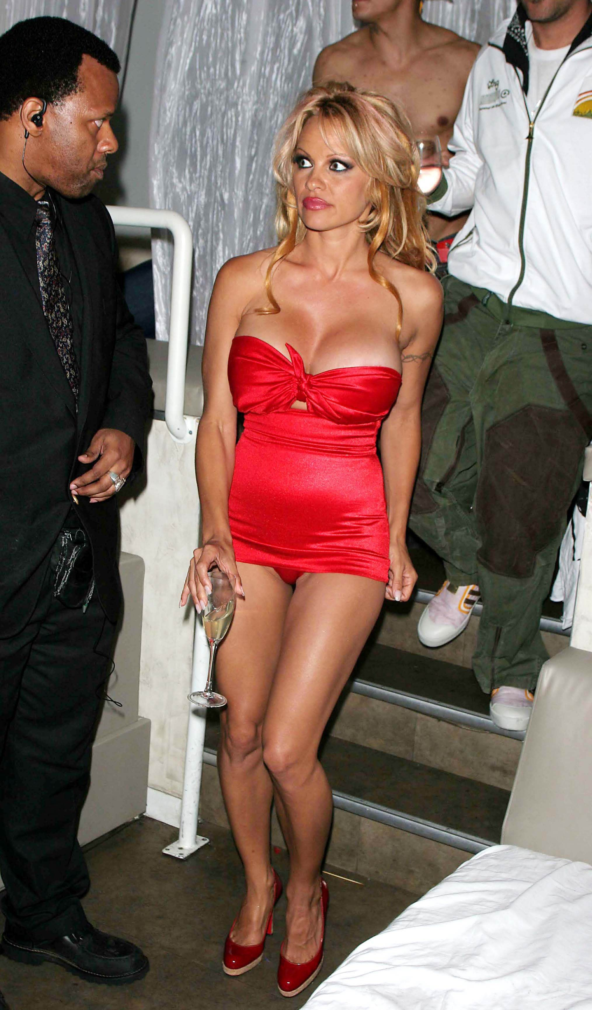 Vdeos Porno de Pamela Anderson YouPorncom