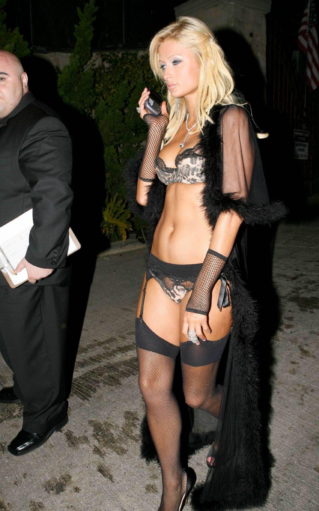 Paris Hilton Hot Bikini Nude