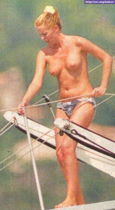 Patsy Kensit Bikini 121