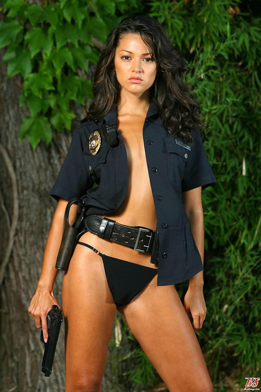 seksualnie-devushki-v-politseyskoy-forme