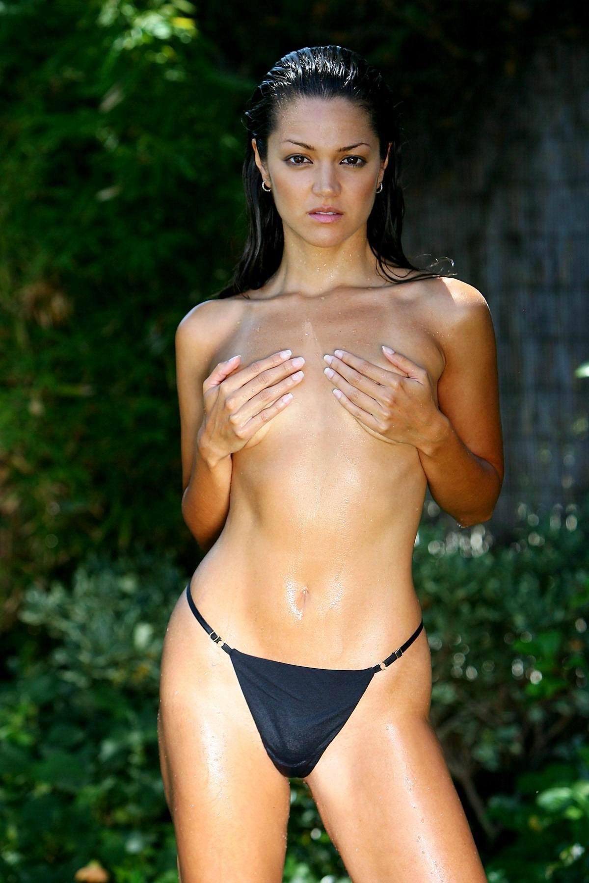 beautiful girls nude suckin