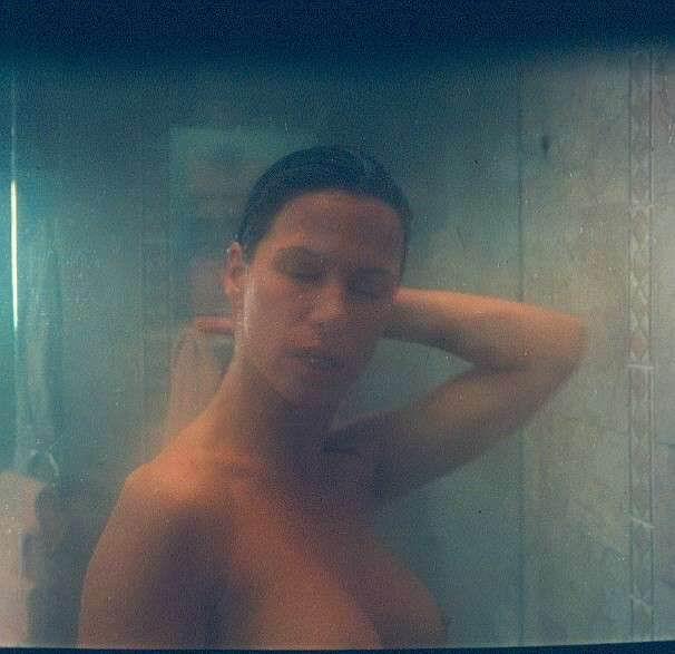 Rhona mitra fotos desnudas