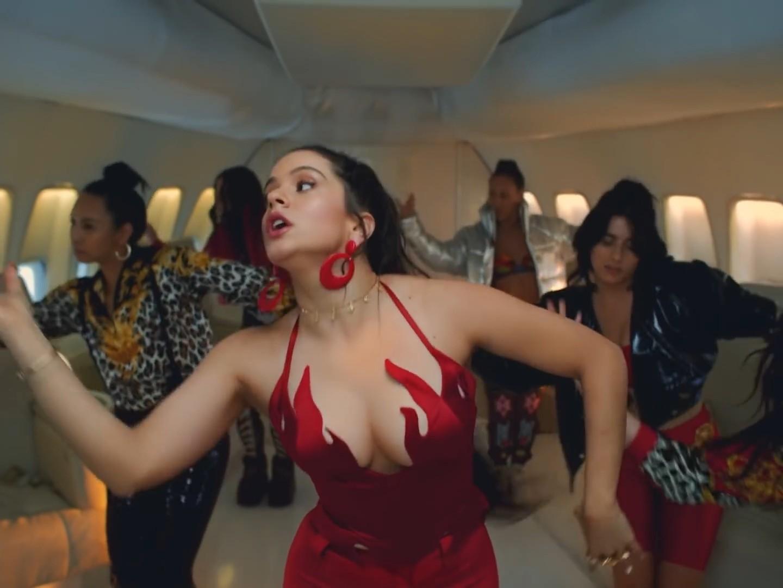 Video Rosalía Sexy - Con Altura