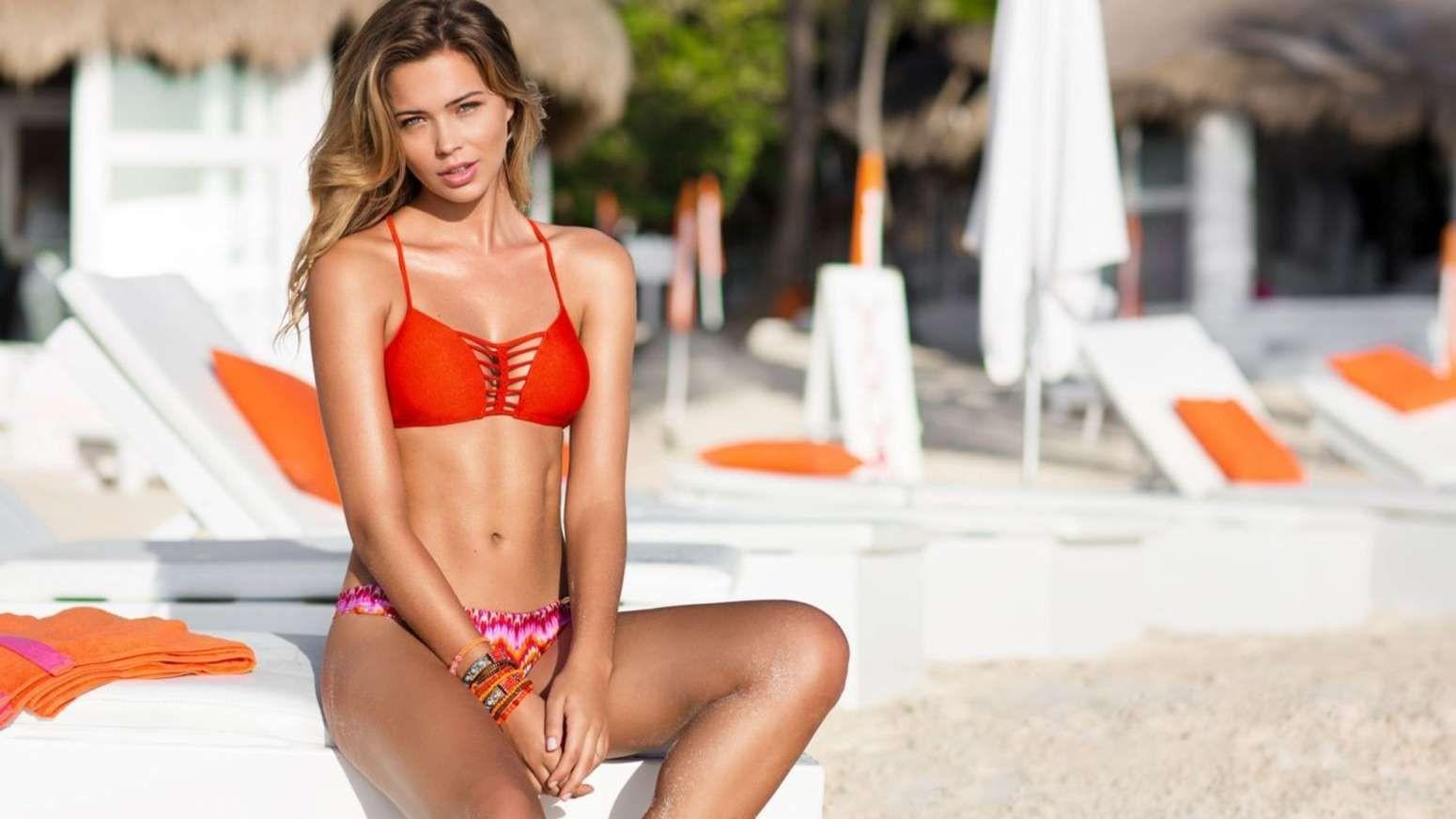 Sandra Kubicka Nude In Treats Magazine The Nip Slip