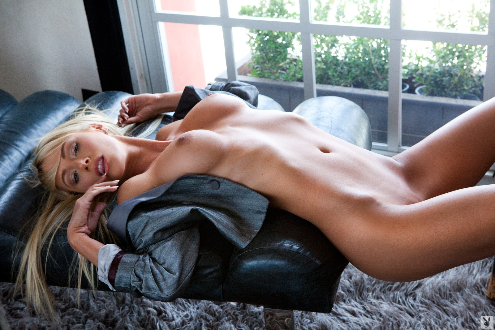 Celebrity fakes porn photos of jennie garth
