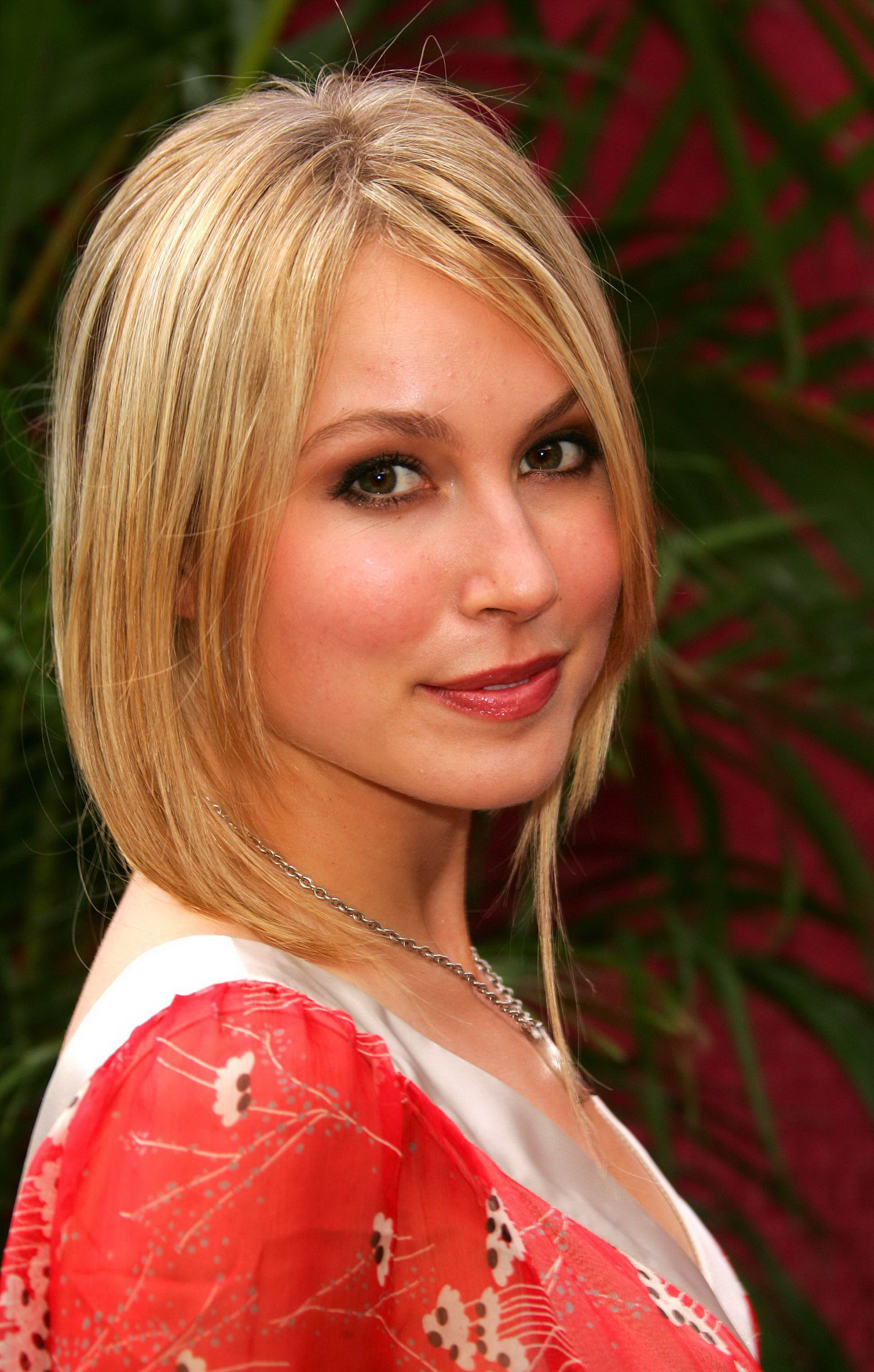 Sarah carter nude actress