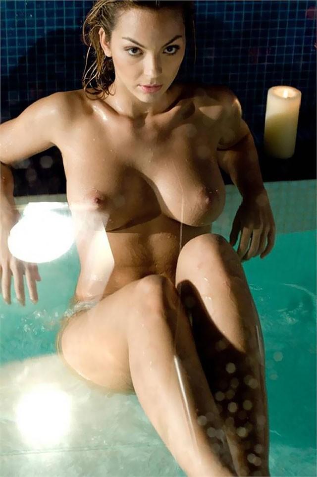 Sarah Nile Dans Playboy Nue 1