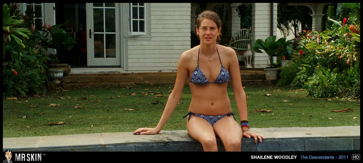 shailene woodley bikini