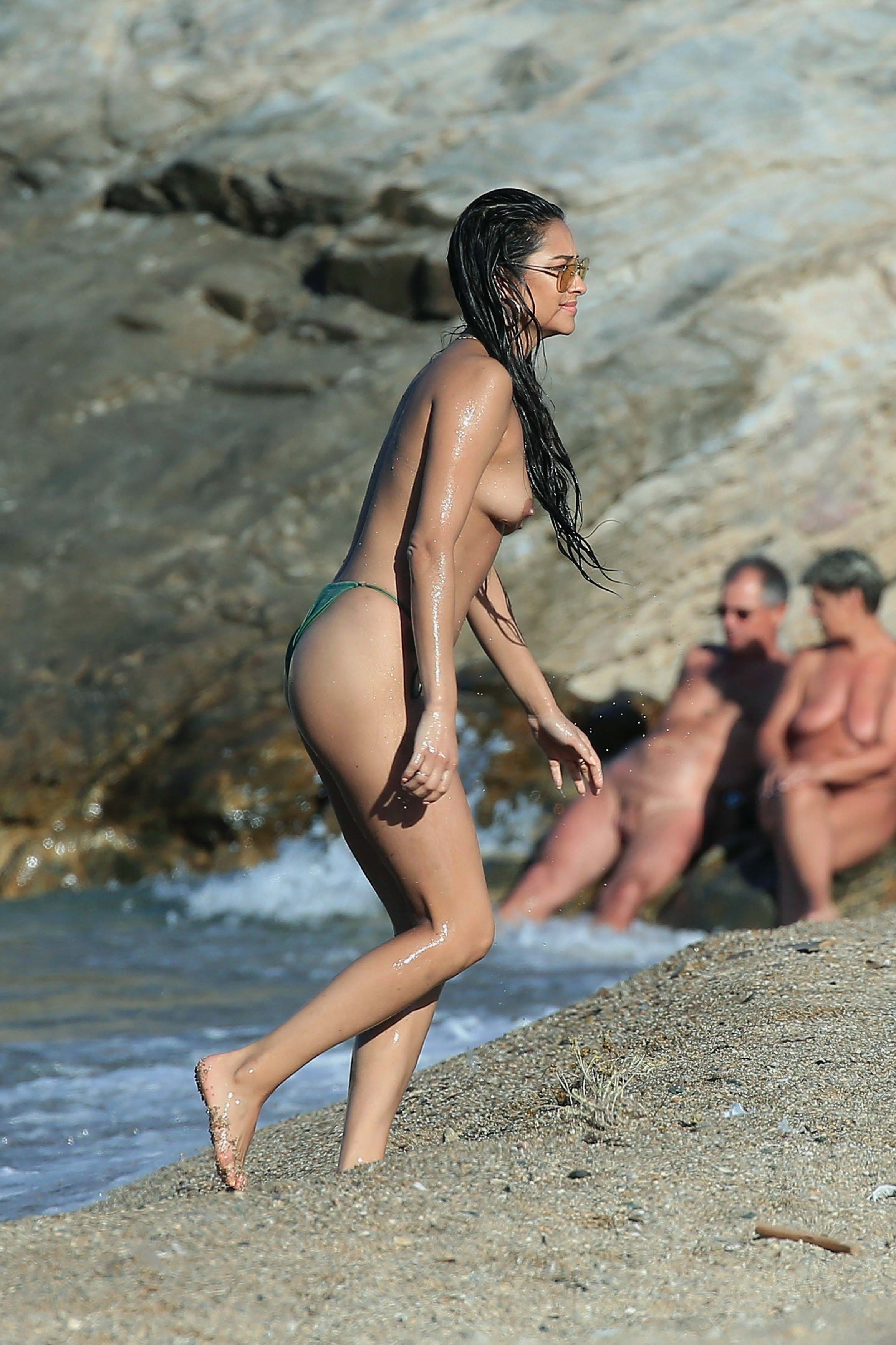 Shay Mitchell Nude, Naked - Pics And Videos - Imperiodefamosas-1115