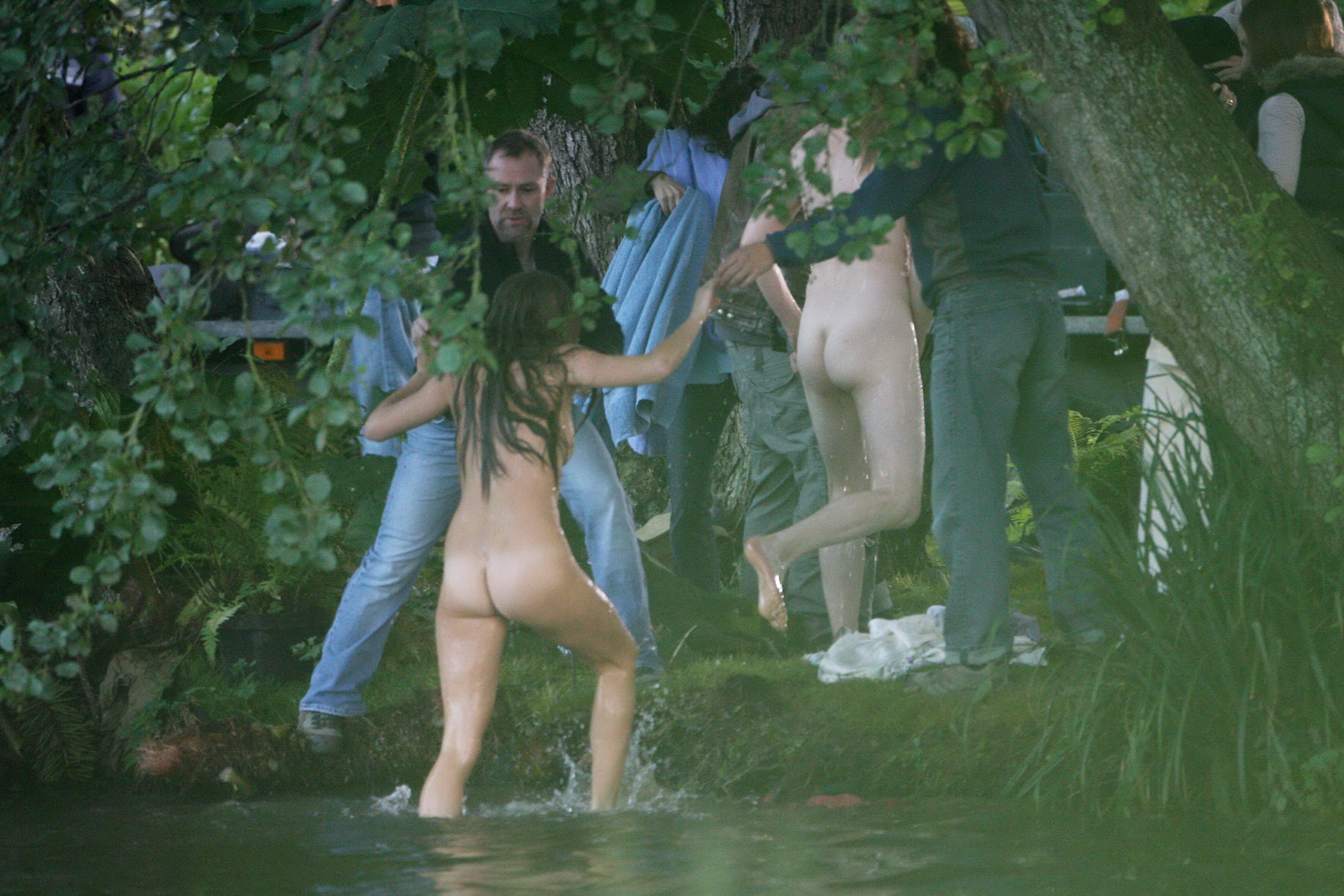 Украли одежду эротика, бразильские накончали полное очко