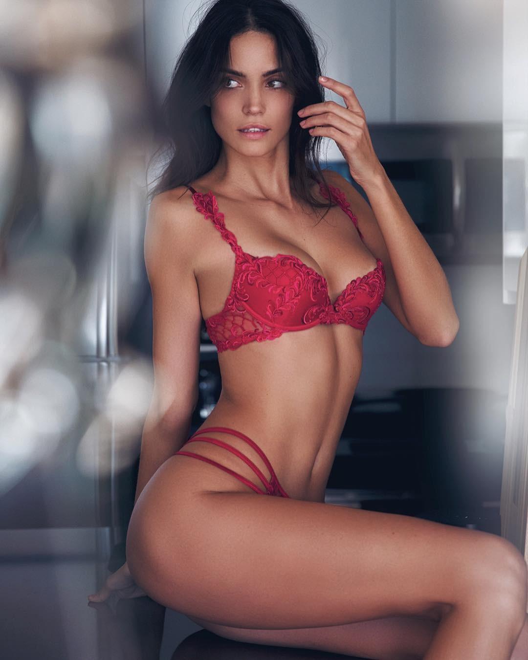 Sofia Resing  nackt