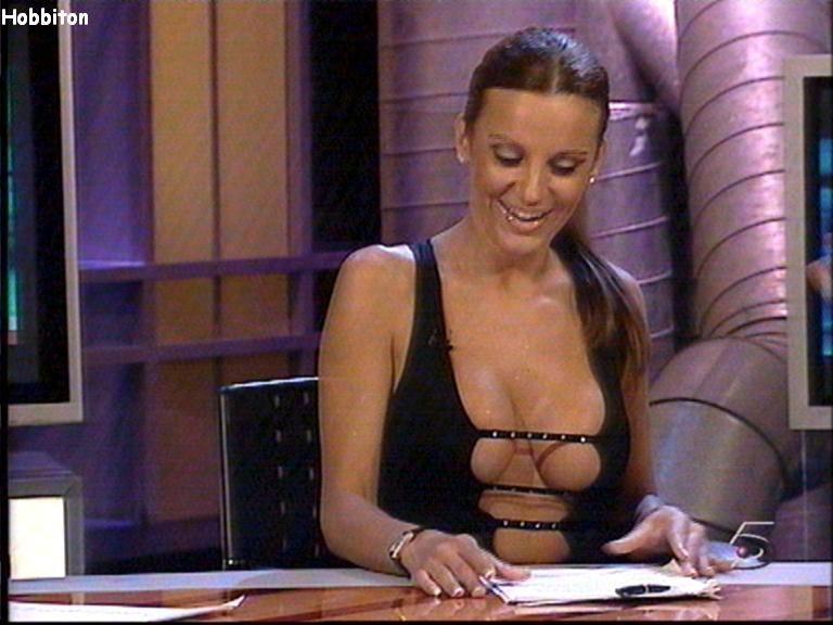 eroticheskie-programmi-video-na-tv
