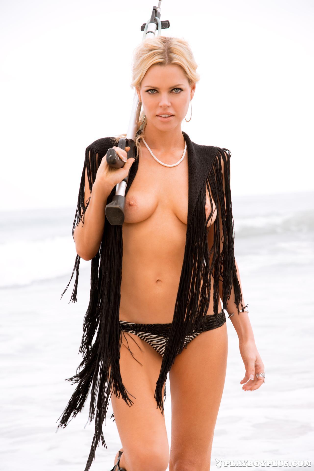 Sophie Monk desnuda - Fotos y Vídeos -