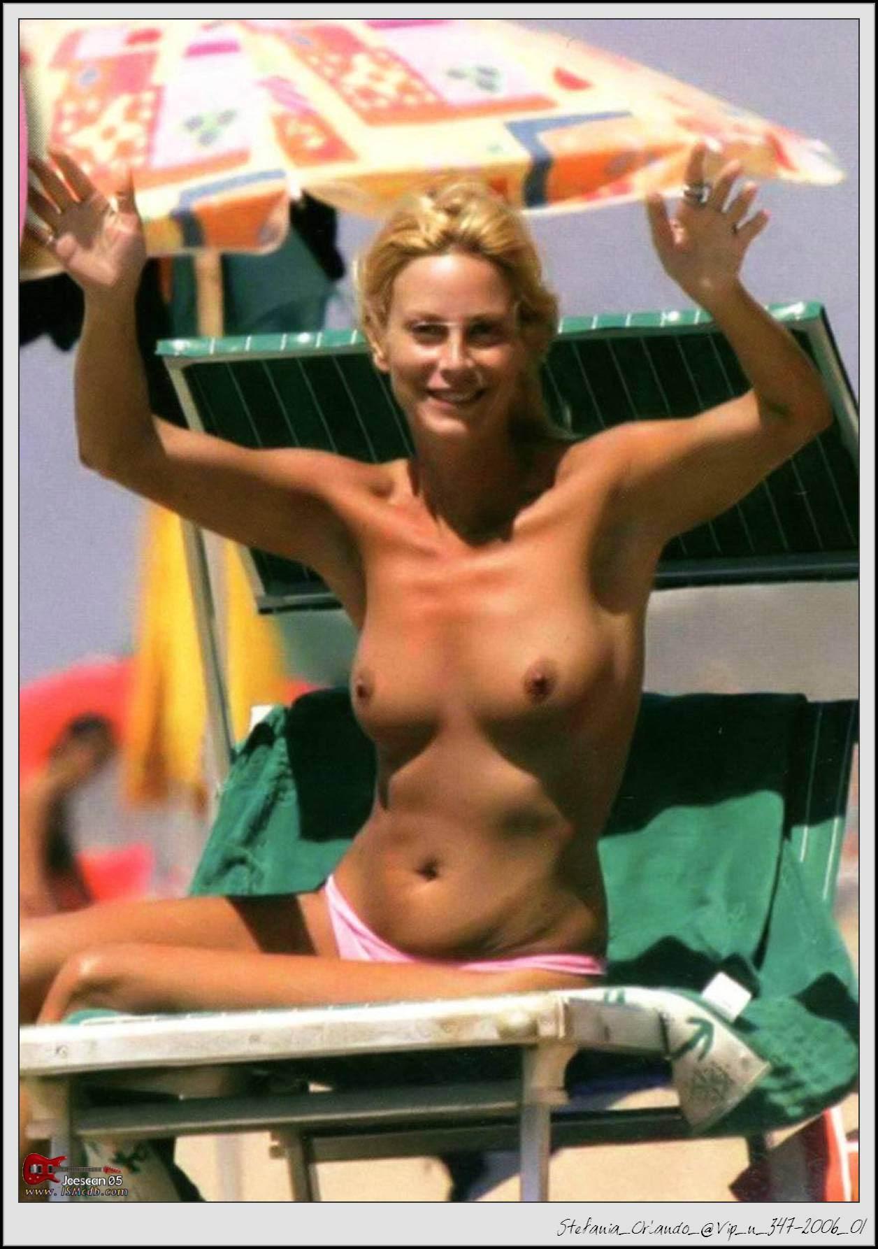 Stefania Orlando  nackt