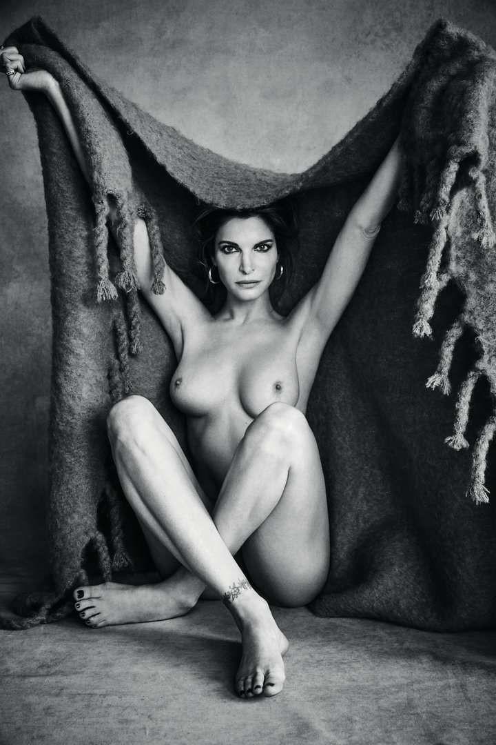 Stephanie Seymour Nude Video 4