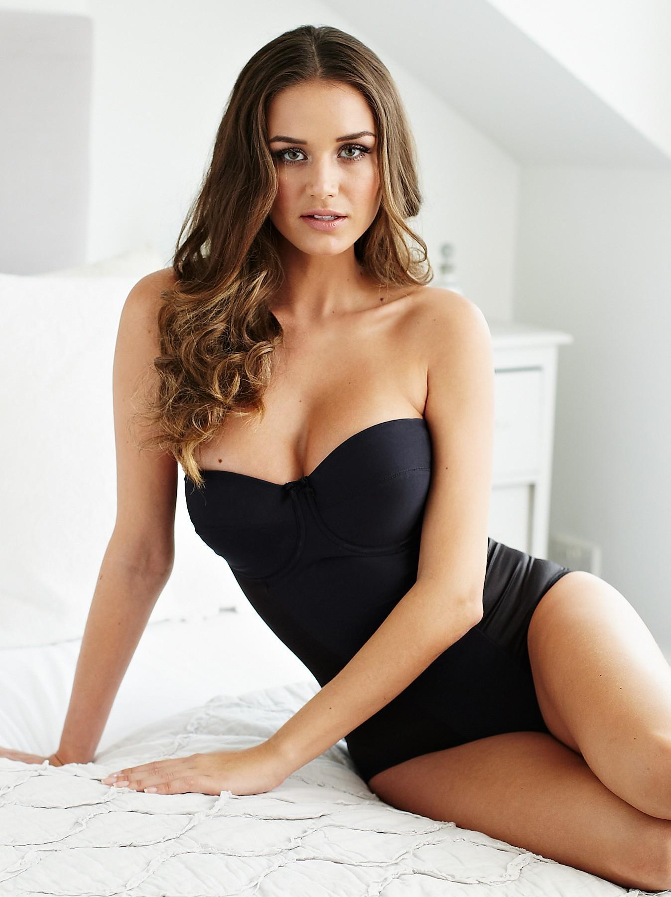 Talita Correa  nackt