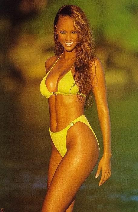 Tyra Moore bikini striptease / Sexy Models