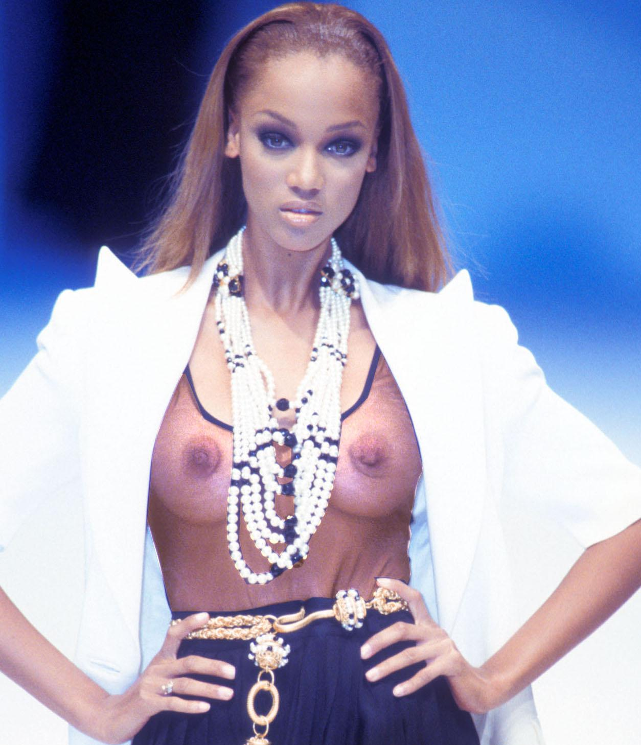 latina-wide-tyra-banks-half-naked