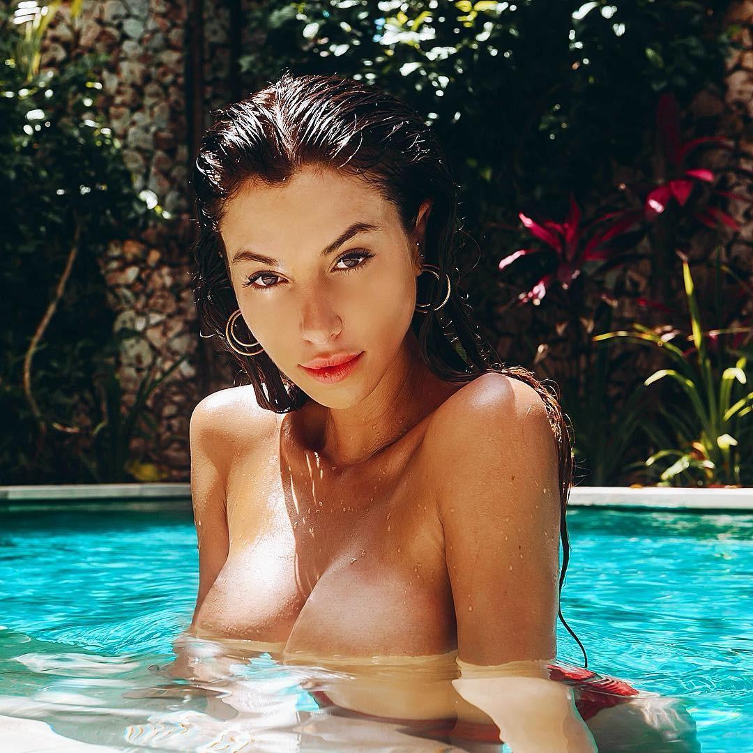 Desnuda Fotos De Valentina Fradegrada Desnuda Tetas Pezon Culo