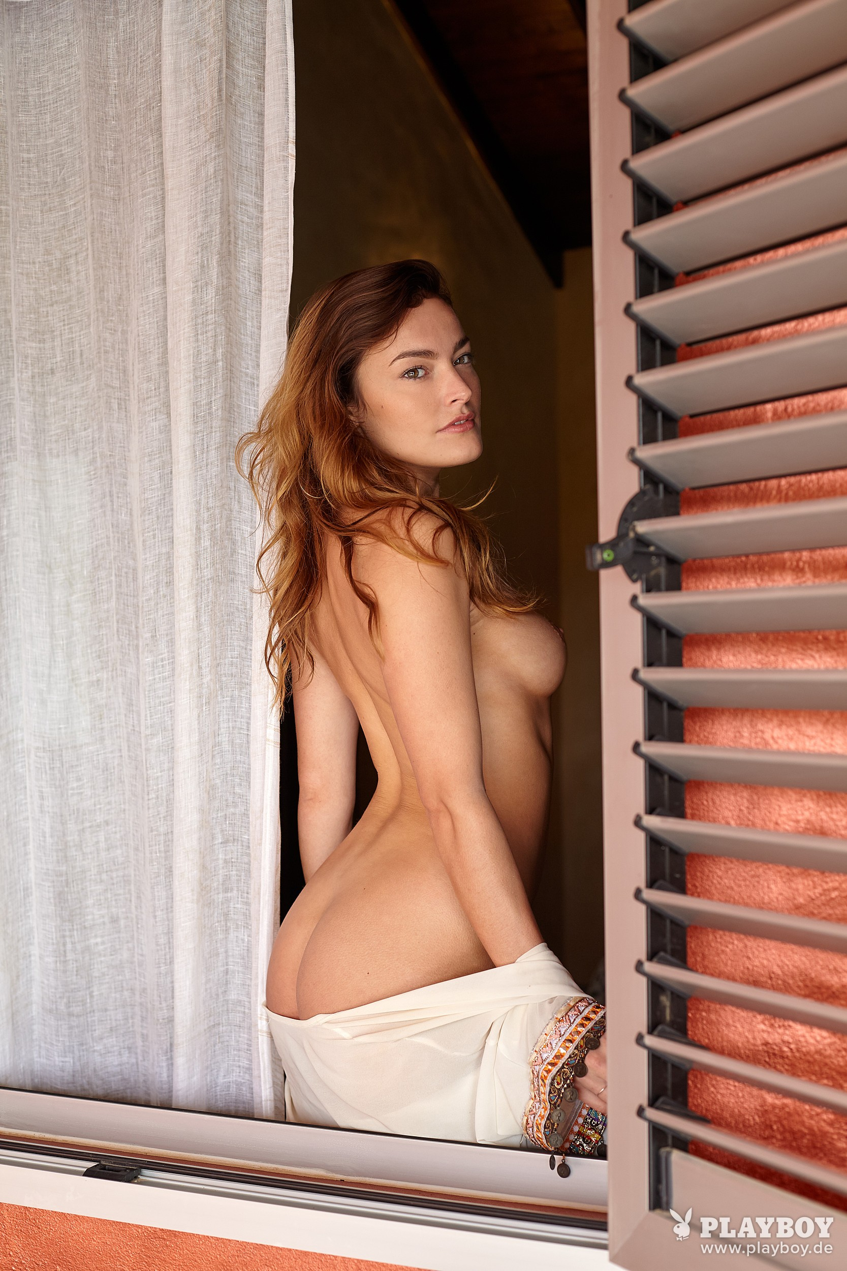 Yvette nude model — photo 10