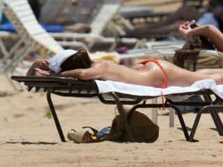 Eva Longoria en Bikini [1058x800] [93.57 kb]