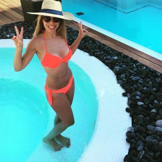 Natalia Rodríguez en Bikini [1080x1080] [193.71 kb]