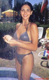Lorena Bernal en Bikini [476x770] [97.29 kb]