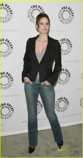 Sarah Wayne Callies [644x1222] [84.72 kb]