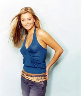 Holly Valance [3199x3800] [958.45 kb]