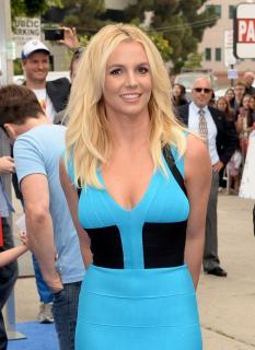 Britney Spears [716x980] [160.08 kb]