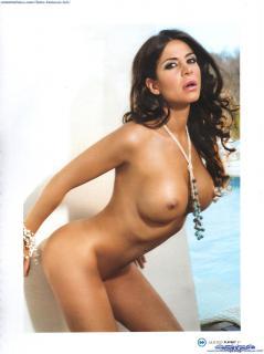Julia Orayen en Playboy Desnuda [1600x2135] [310.35 kb]