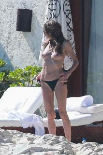 Heidi Klum in Topless [663x994] [179.16 kb]