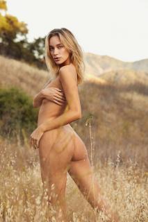 Brianna Mellon Desnuda [2000x3000] [1018.38 kb]