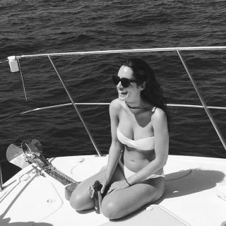 Alicia Sanz en Bikini [700x700] [119.73 kb]