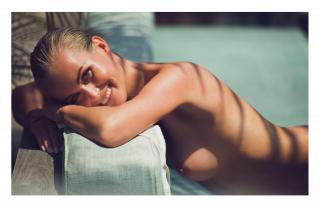 Laeticia Hallyday en Lui Magazine Desnuda [1940x1261] [243.26 kb]