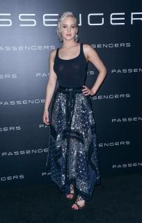 Jennifer Lawrence [1470x2305] [644.26 kb]