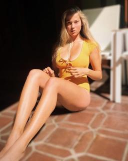Megan Moore [1080x1350] [303.03 kb]