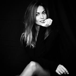 Lara Álvarez [665x665] [42.12 kb]