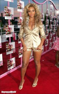 MTV VMA 2004 [1000x1597] [278.16 kb]