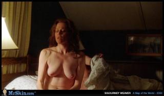Sigourney Weaver [1020x600] [48.1 kb]