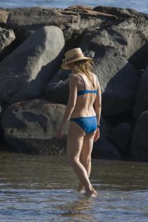 Helen Hunt in Bikini [2400x3600] [584.81 kb]
